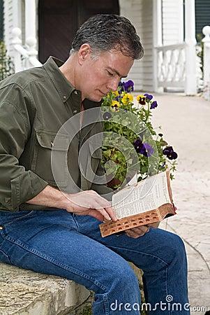 Free Pastoral Bible Study Stock Image - 5026451