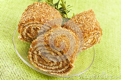 Pastry roll filled