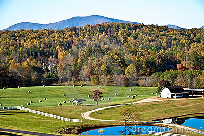 Pasture/Hay/Mountains/Autumn