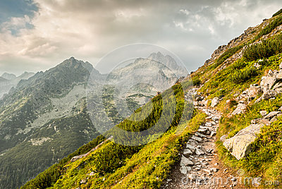 Path in mountains
