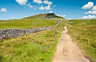 Path to Pen-y-Ghent