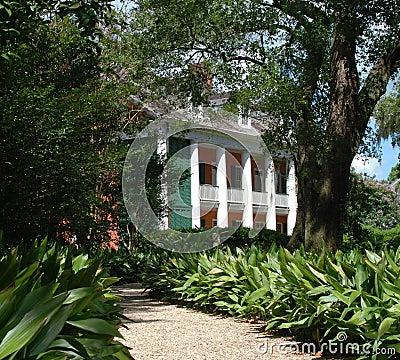 Free Path To Southern Plantation Royalty Free Stock Photos - 15119658