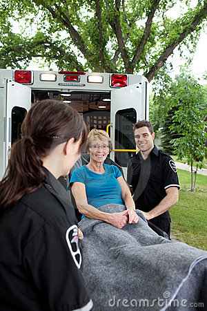 Patient heureux d ambulance