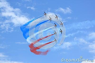 Patrouille de France avec de la fumée Photo stock éditorial