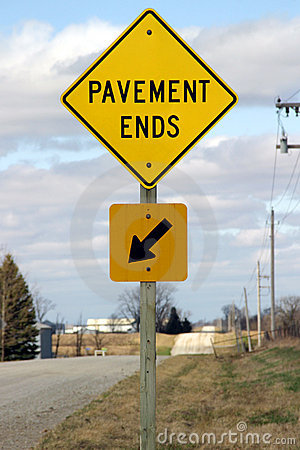 Free Pavement Ends Sign Royalty Free Stock Photos - 655038