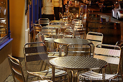 Pavement tables