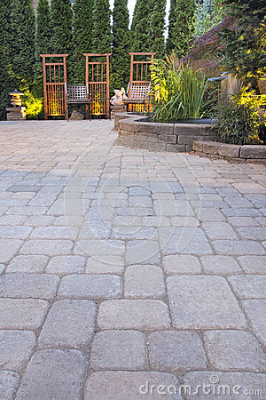 Free Paver Patio Garden And Landscaping Lights Stock Photography - 26137042
