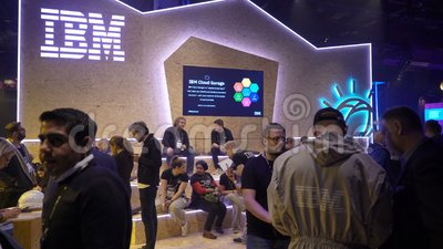 Pavilion IBM in the business forum  Charisma, businesspeople