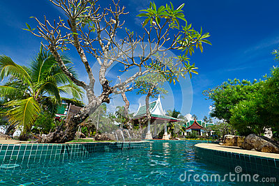 Paysage oriental de station de vacances en Thaïlande