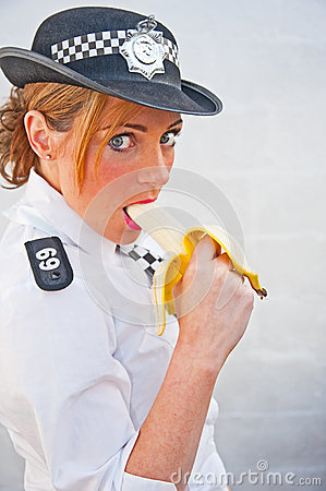 PC 69 eating banana on duty