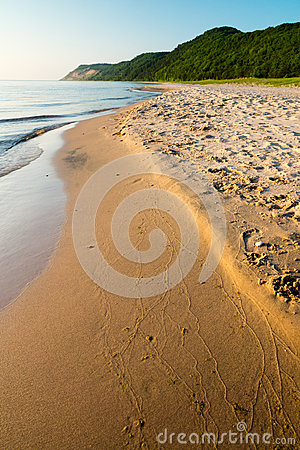 Free Peaceful Lake Michigan Beach Royalty Free Stock Photos - 43469308