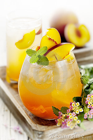 Free Peach Cocktail Royalty Free Stock Photography - 17124287