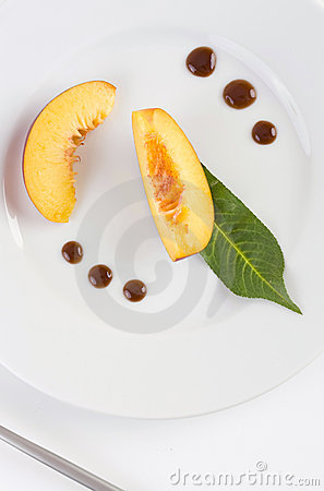 Peach Slices Royalty Free Stock Image - Image: 5968026