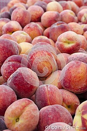 Free Peaches Royalty Free Stock Photos - 32570468