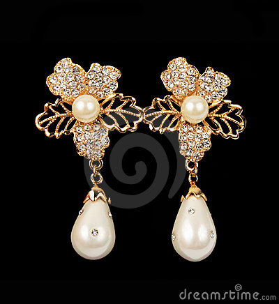 Free Pearl Earrings Stock Photos - 22794543