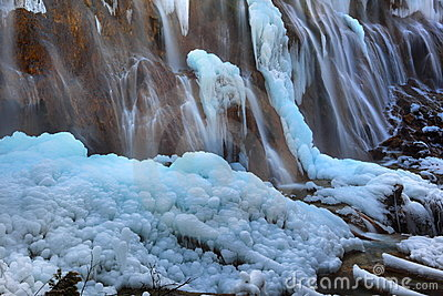 Pearl shoal waterfall jiuzhai valley winter