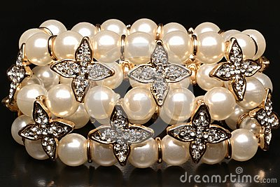 Pearlsbracelet