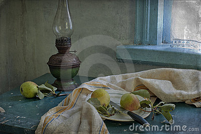 Pears and kerosene lamp