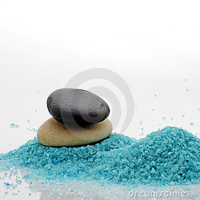 Pebble and bath salt
