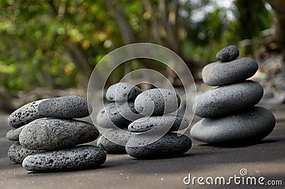 Pedras do basalto na praia
