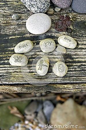 Pedras do jardim: AMOR, CONFIANÇA, ALEGRIA