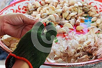 Peel the garlic