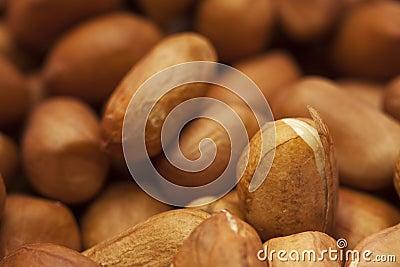 Peeling peanuts