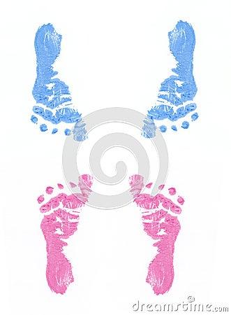 Pegadas azuis e cor-de-rosa