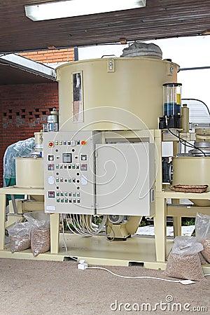 Pellets machine