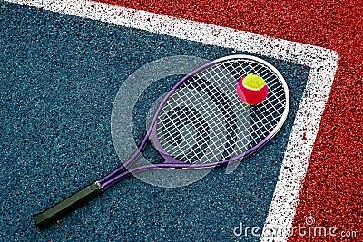 Pelota de tenis y Racket-1