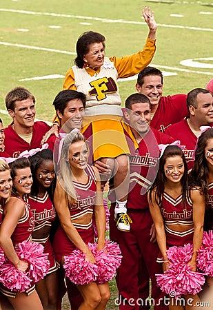 Pelotão Cheerleading de FSU Foto Editorial
