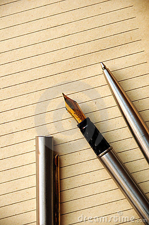Free Pen And Old Paper Royalty Free Stock Image - 5054356