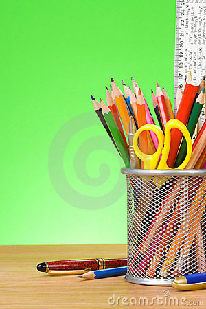 Free Pen And Pens In Holder Royalty Free Stock Photography - 23009667