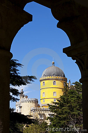 Pena Palace seen through an arch
