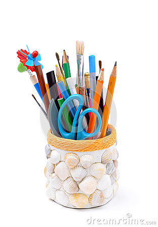 Free Pencils, Brushes, Plastic Knife, Scissors In Handmade Pencil-box Royalty Free Stock Photography - 48524027