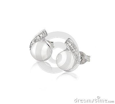 Pendientes de la perla y del diamante de la elegancia