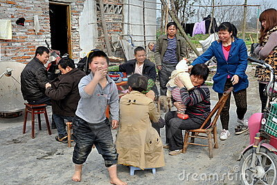 Pengzhou, China: Chinese Family Editorial Photo