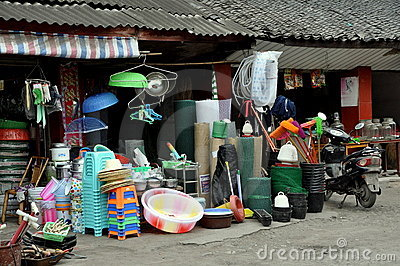 Pengzhou, China: Hardware Store Display Editorial Image