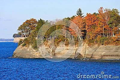 Penhascos de Erie de lago no outono