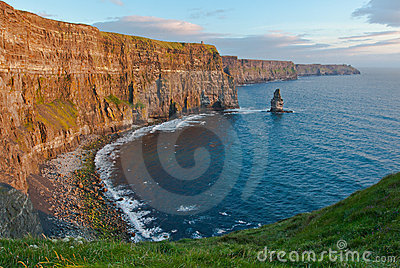 Penhascos de Moher no por do sol