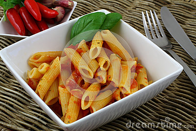 Penne rigate in tomato and garlic sauce