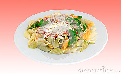 Penne with tomato and cheese