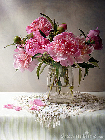 Free Peony Bunch Royalty Free Stock Photos - 9476738
