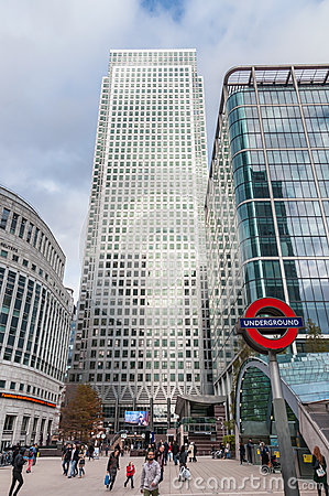 Free People Enter Canary Wharf Tube Station In London S Docklands Stock Photos - 47335073