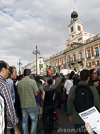 People in front of a government building in the Sp Editorial Photography