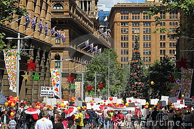 People gather in Sydney cbd Editorial Image