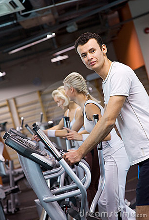People jogging in a gym