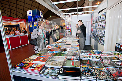 People look at comic books and graphic novels Editorial Photo