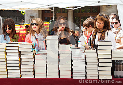 People looking books  in Sant Jordi feast Editorial Photography