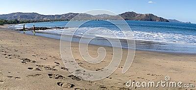 People looking the ocean in costa rica